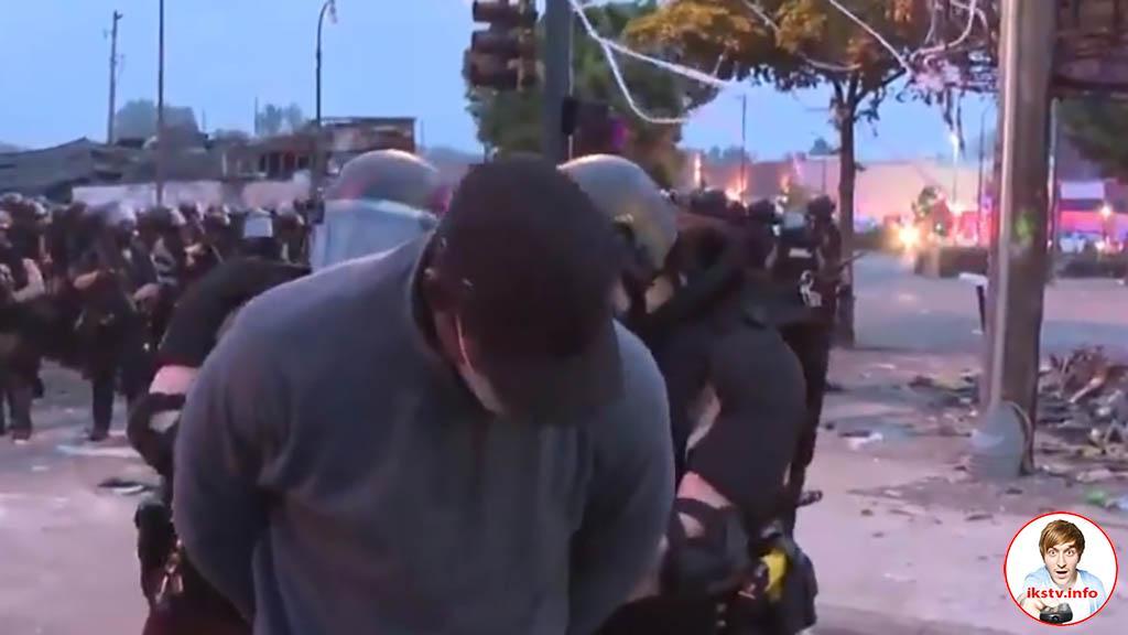 Так получилось: репортёров CNN арестовали и надели на них наручники