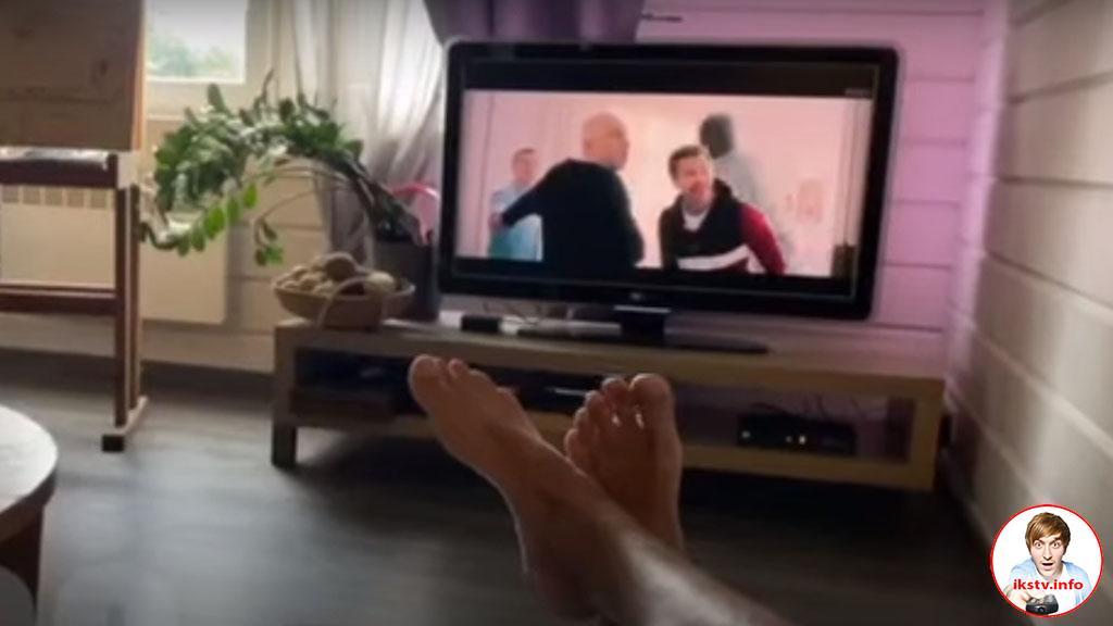 Кинчев на отдыхе предпочитает смотреть телевизор