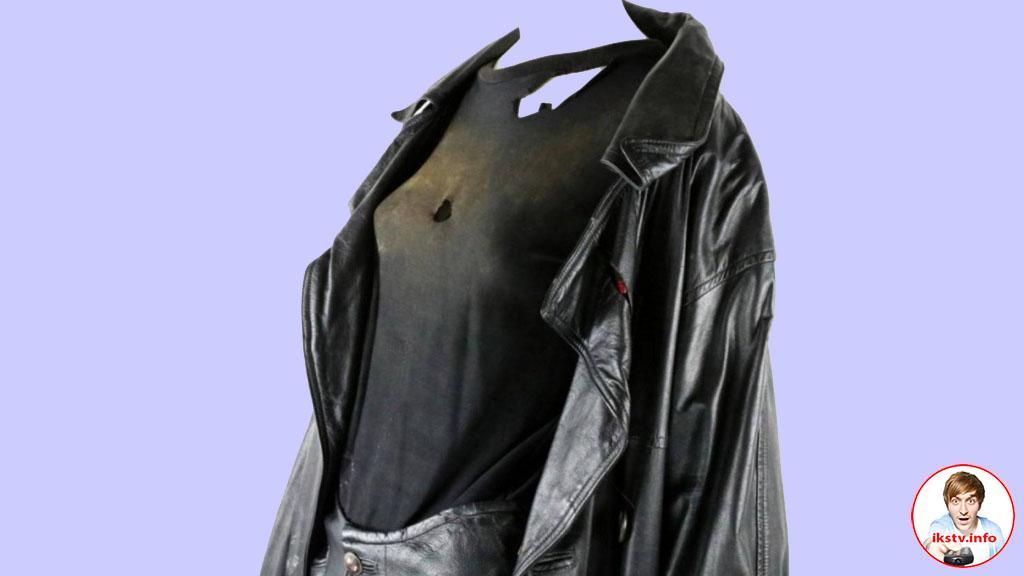"Костюм ""Ворона"" с дырками продали на аукционе"